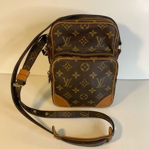Handbags - Vintage Louis Vuitton messenger bag